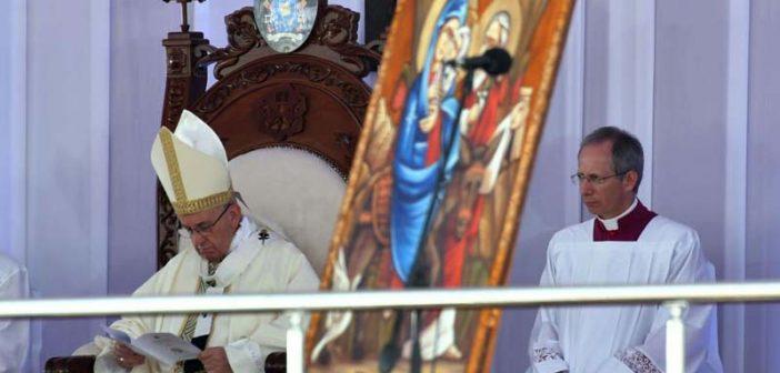 """Papa Francisco en El Cairo ante costos y musulmanes: """"El amor es la fuerza y el tesoro del creyente"""""""