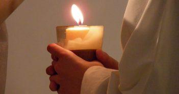 La esperanza cristiana se basa en esa actitud que Jesús asume contra la muerte humana