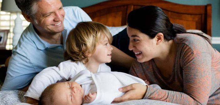 Padres si aman a sus hijos acompáñenlos, edúquenlos y corríjanlos. Son autoridad