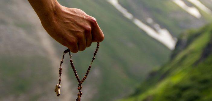 10 consejos prácticos para rezar el Rosario todos los días