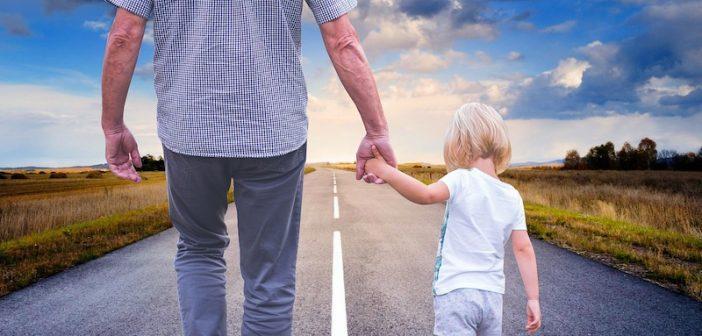¿Cómo enseñar a tus hijos a amar practicando las virtudes?