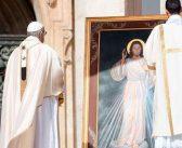 Santo Padre: toca sus heridas, porque es de ellas que surge la misericordia