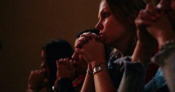 Asociación de madres que oran por sus hijos y agradecen a Dios