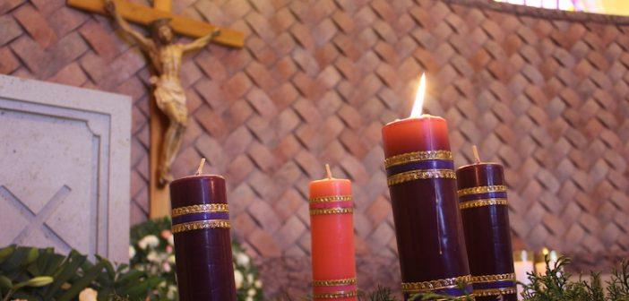Bendición para la Corona de adviento y encender la primera vela